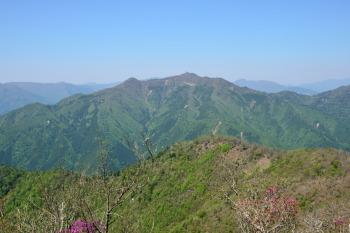 雲早山から見た高城山