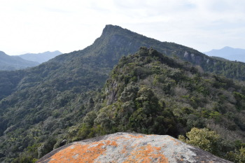 太郎丸岳から見た次郎丸岳