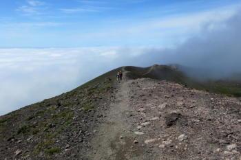 外輪山の道