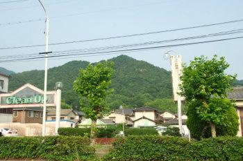 広市街から吉松山