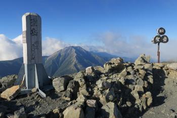 前聖岳の山頂(標高3013m)