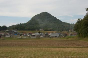 津田明神山