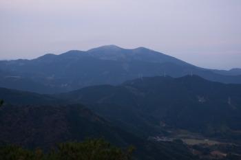 作礼山から見た天山