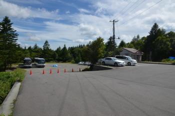 たかね荘の駐車場