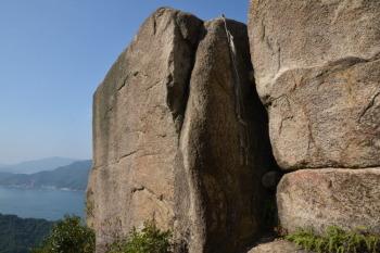 ドンガメ岩